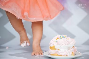 CLP_Carm_cakefeet